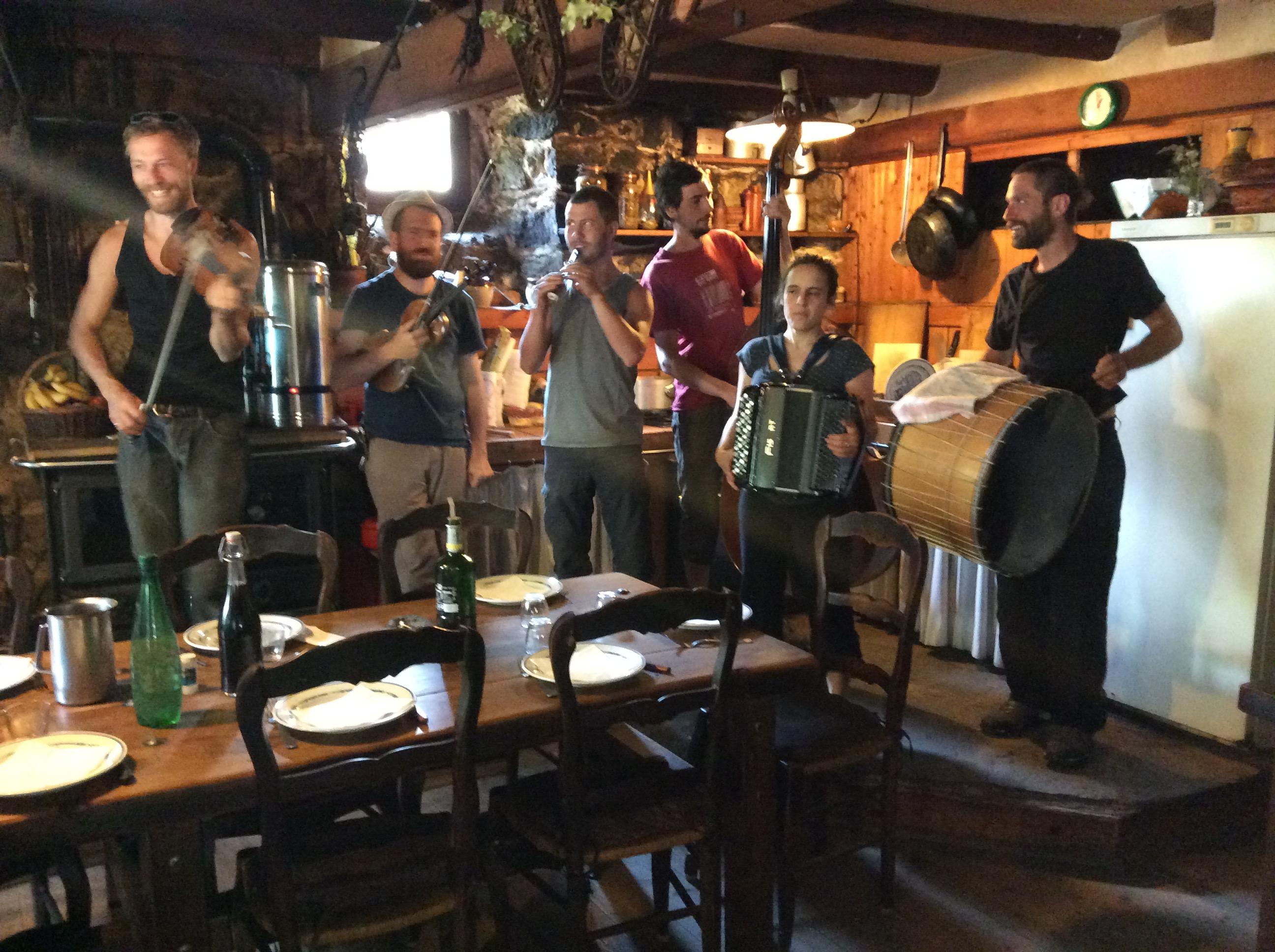 6eme festival le champ des muses a la ferme de rajasse Ardèche