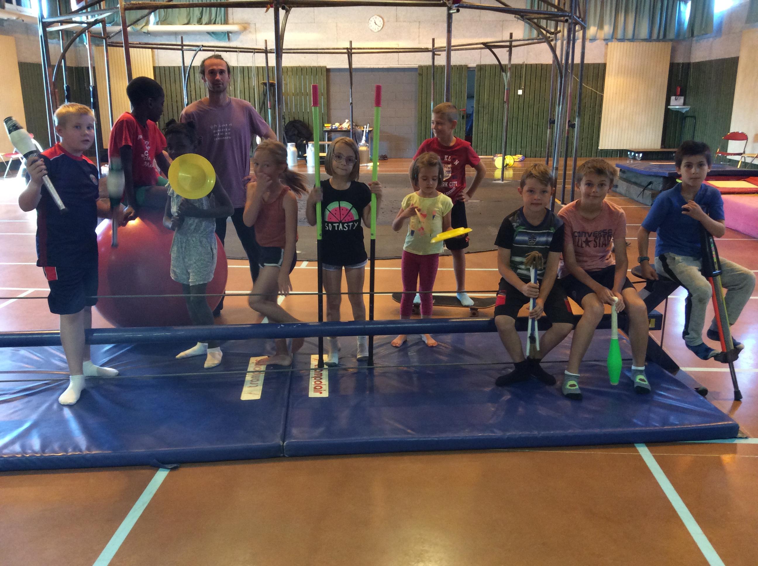 hostellerie de pontempeyrat école de cirque 090819