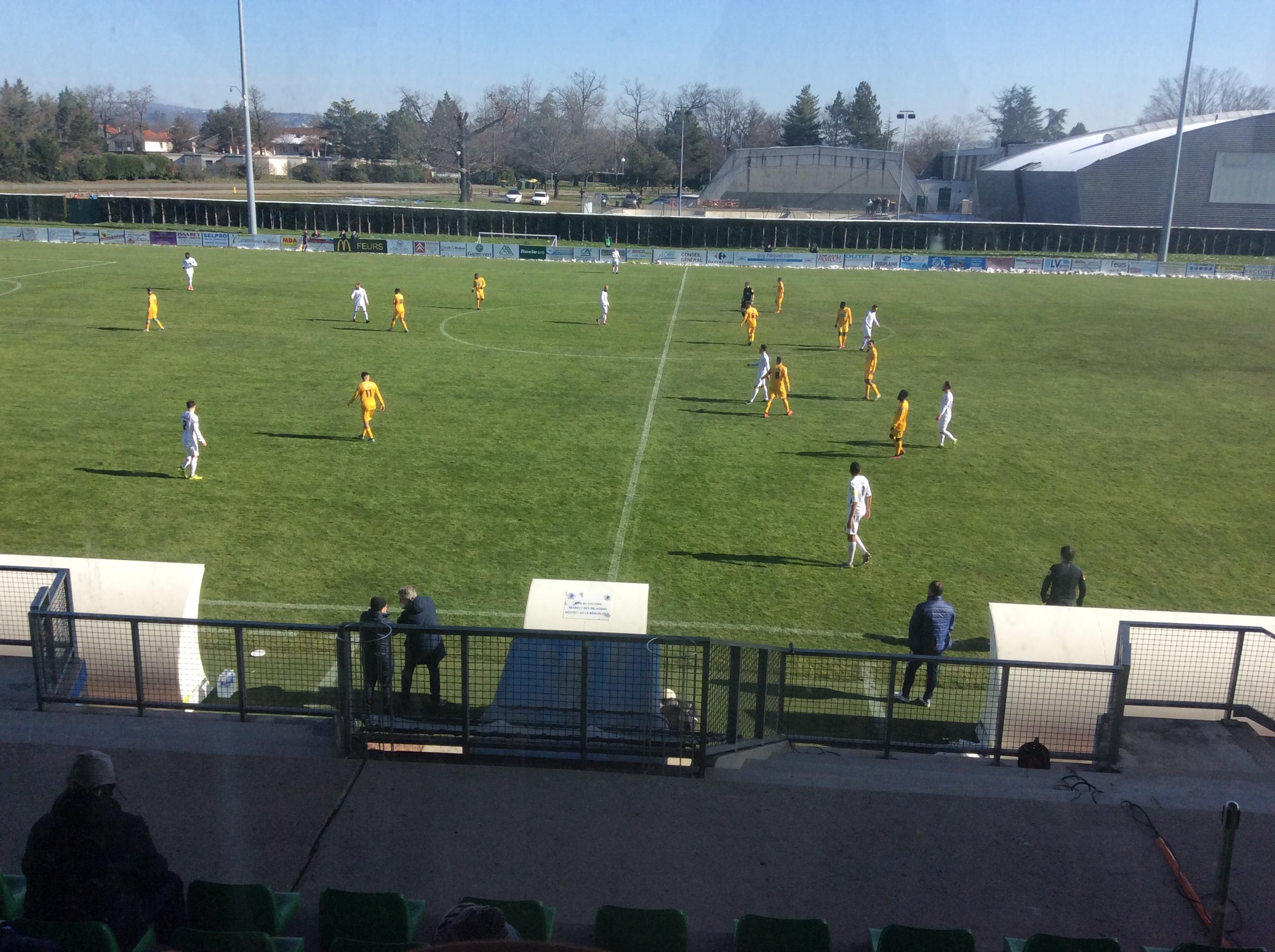 reprise du championnat de n2 foot match en retard le puy foot 43 auvergne-fc Nantes réserve 18h samedi 270221 massot en direct sur votre radio avant match