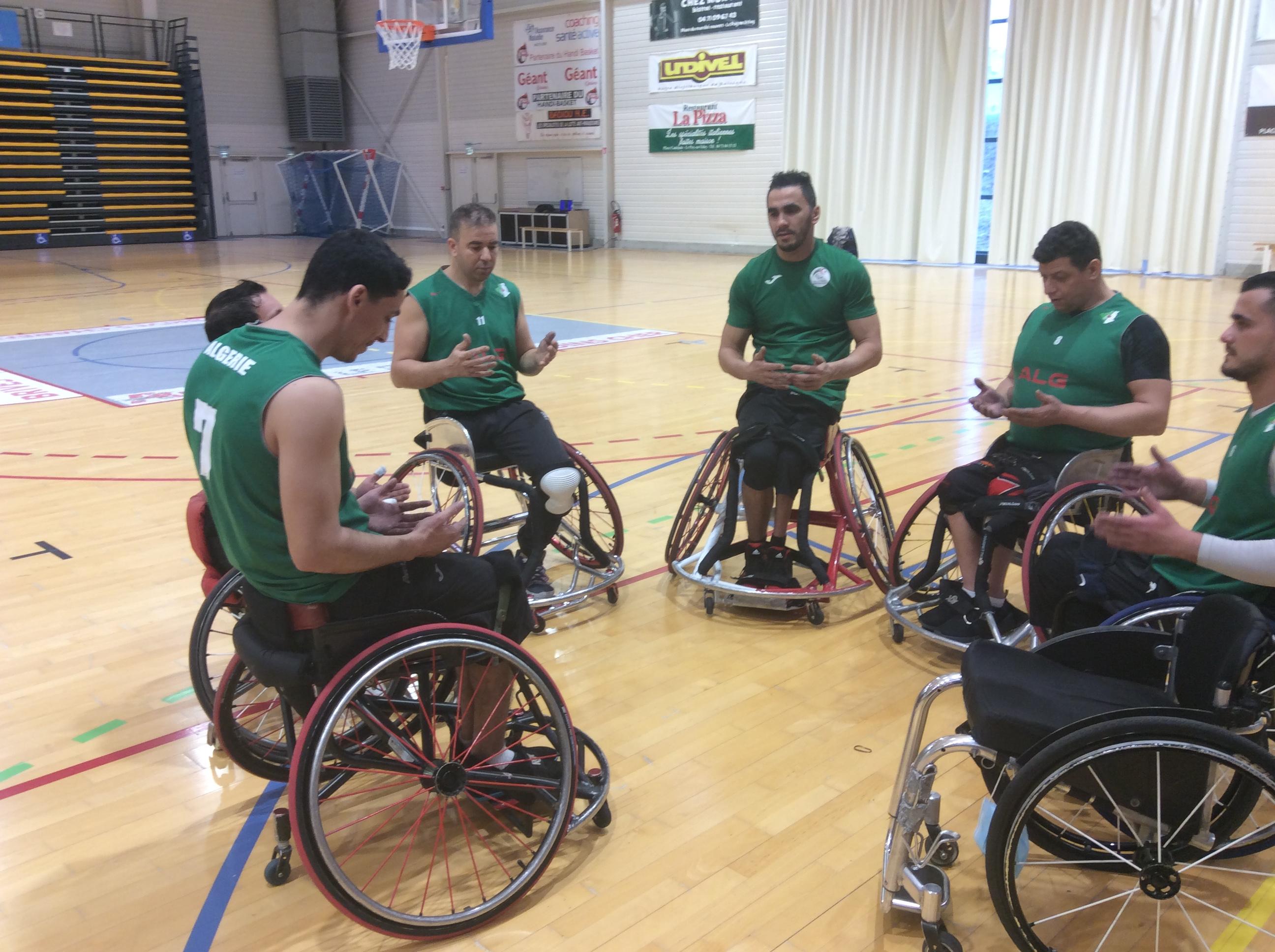 handi basket stage de préparation de l'équipe d'Algerie au puy en vue des jeux paralympiques de Tokyo 280221